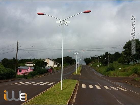 Poste Metálico Iluminação Pública